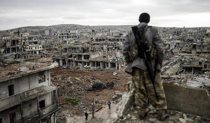 031B8C-l-assedio-di-kobane