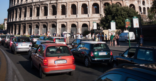roma-colosseo-traffico